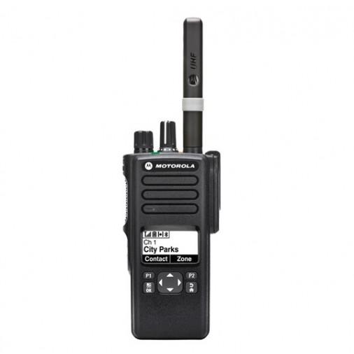 """DP4601e - Portatif analogique ET numérique DMR, étanche avec GPS, PTI, écran et clavier simplifié.      Ce talkie fait partie des nouvelles séries """"e"""" plus ..."""