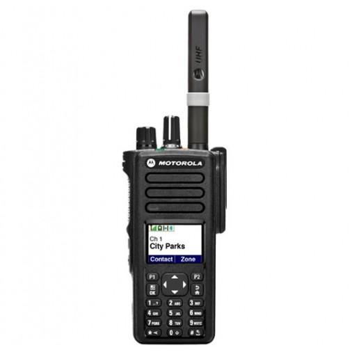 """DP4801e - Portatif analogique ET numérique avec GPS, PTI, écran et clavier.     Ce talkie fait partie des nouvelles séries """"e"""" plus performantes.   Ce modèle ..."""
